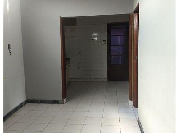 Vendo casa en calle Tres Febrero Centro, Zárate