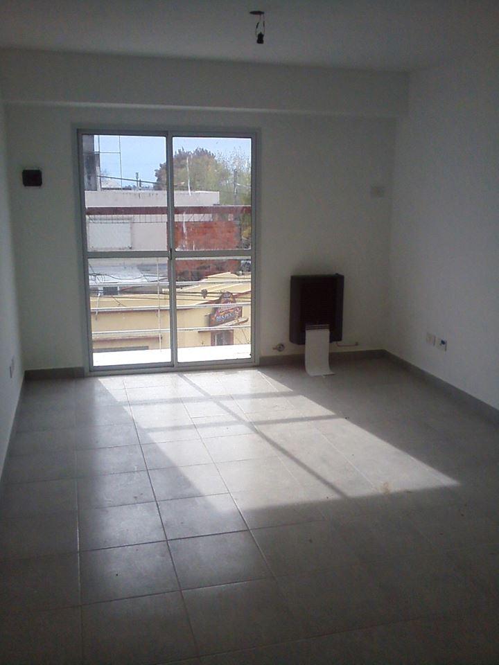 Vendo departamento de 1d en Gral. Paz y Chacabuco, Zárate