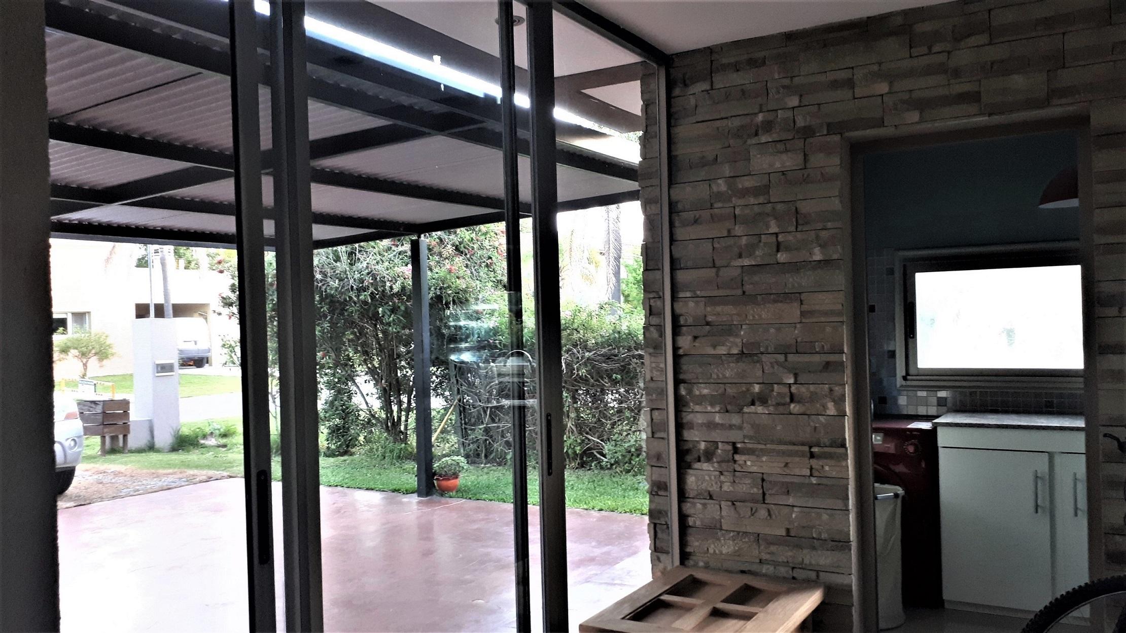 Vendo Casa en country Solares del Carmen, Zárate