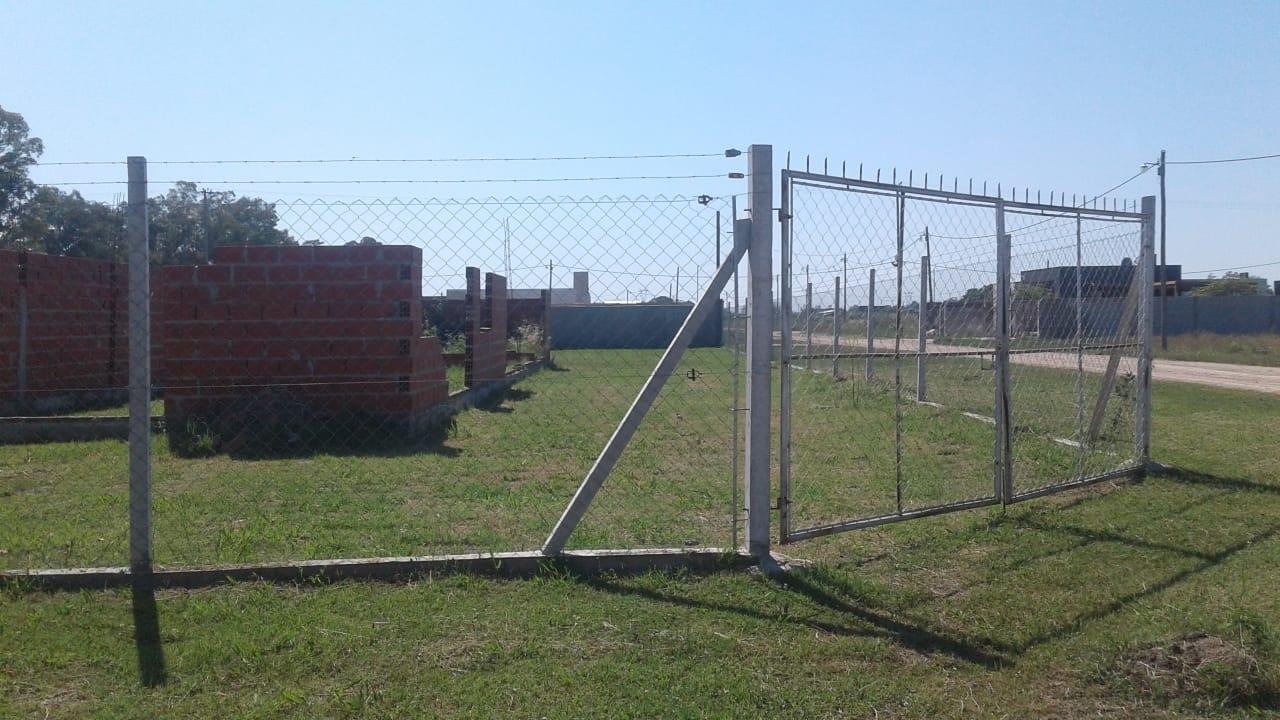Vendo terreno con construcción en Lima