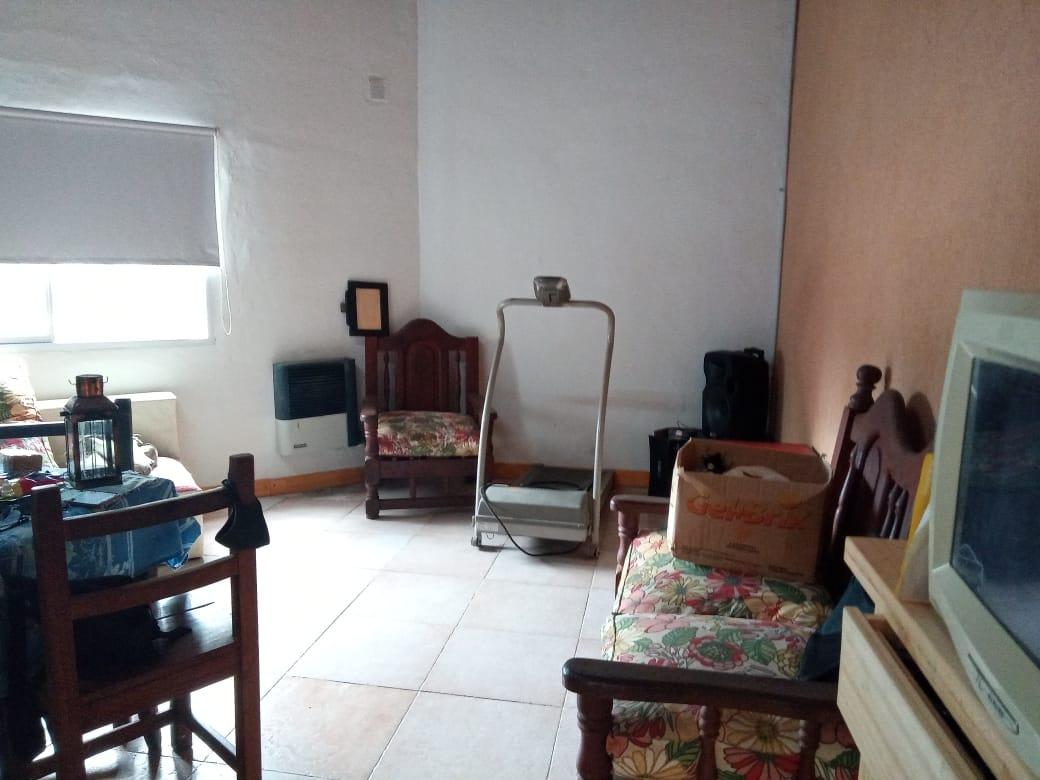 Vendo casa en Avellaneda al 1000, Zárate