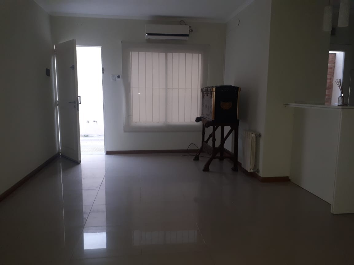 Vendo Duplex en Brown al 1800, Zárate, Bs.As