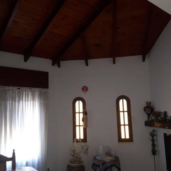 Vendo casa en Laprida y 19 de Marzo