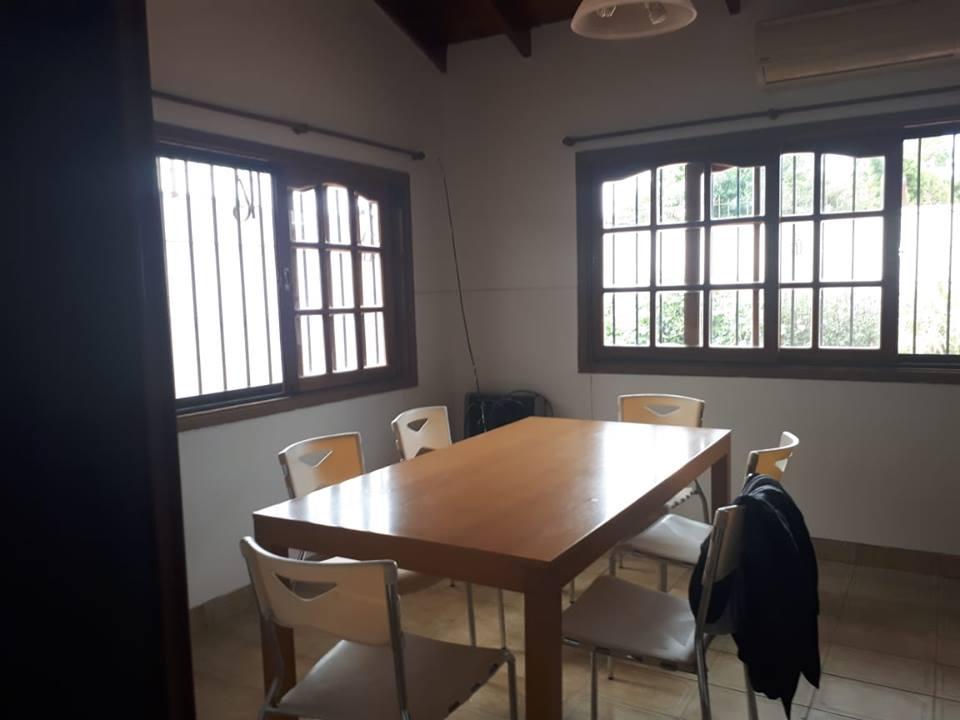 Vendo casa en Chile y Lavalle