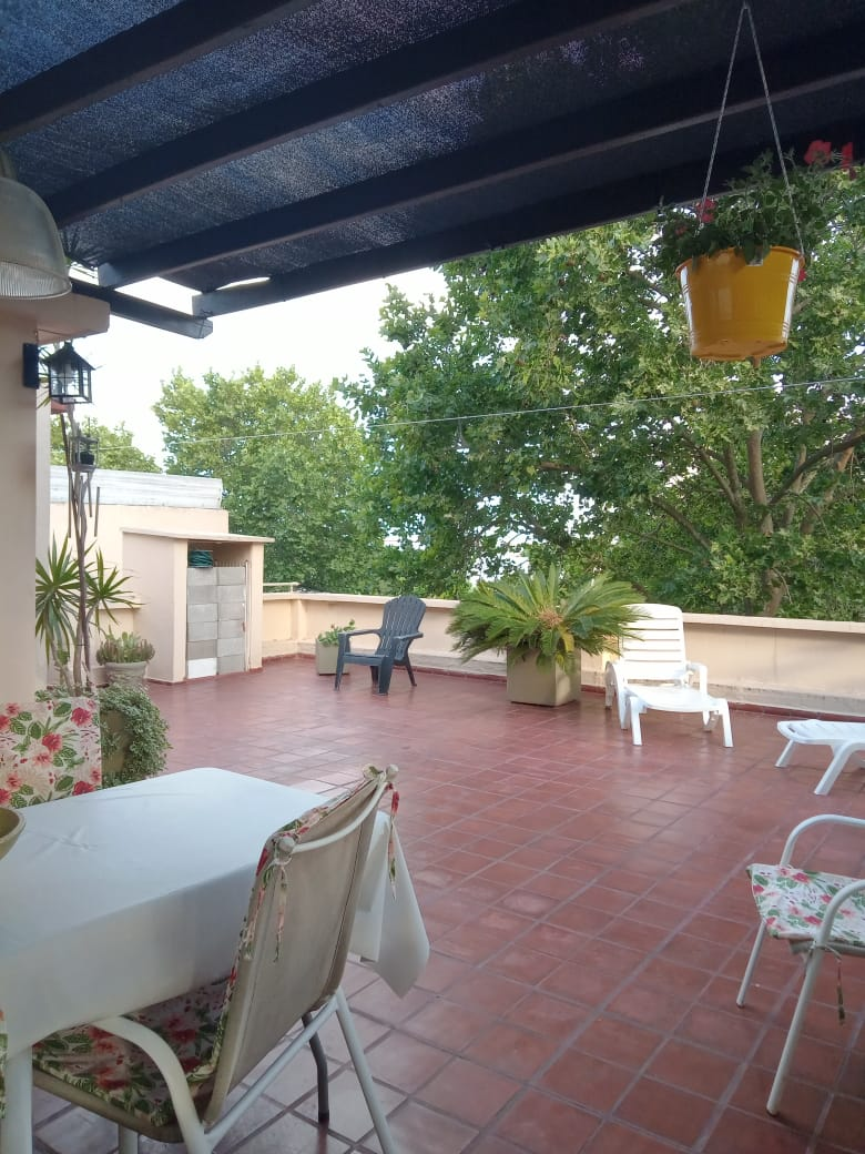 Vendo casa en Castelli al 600, Zárate