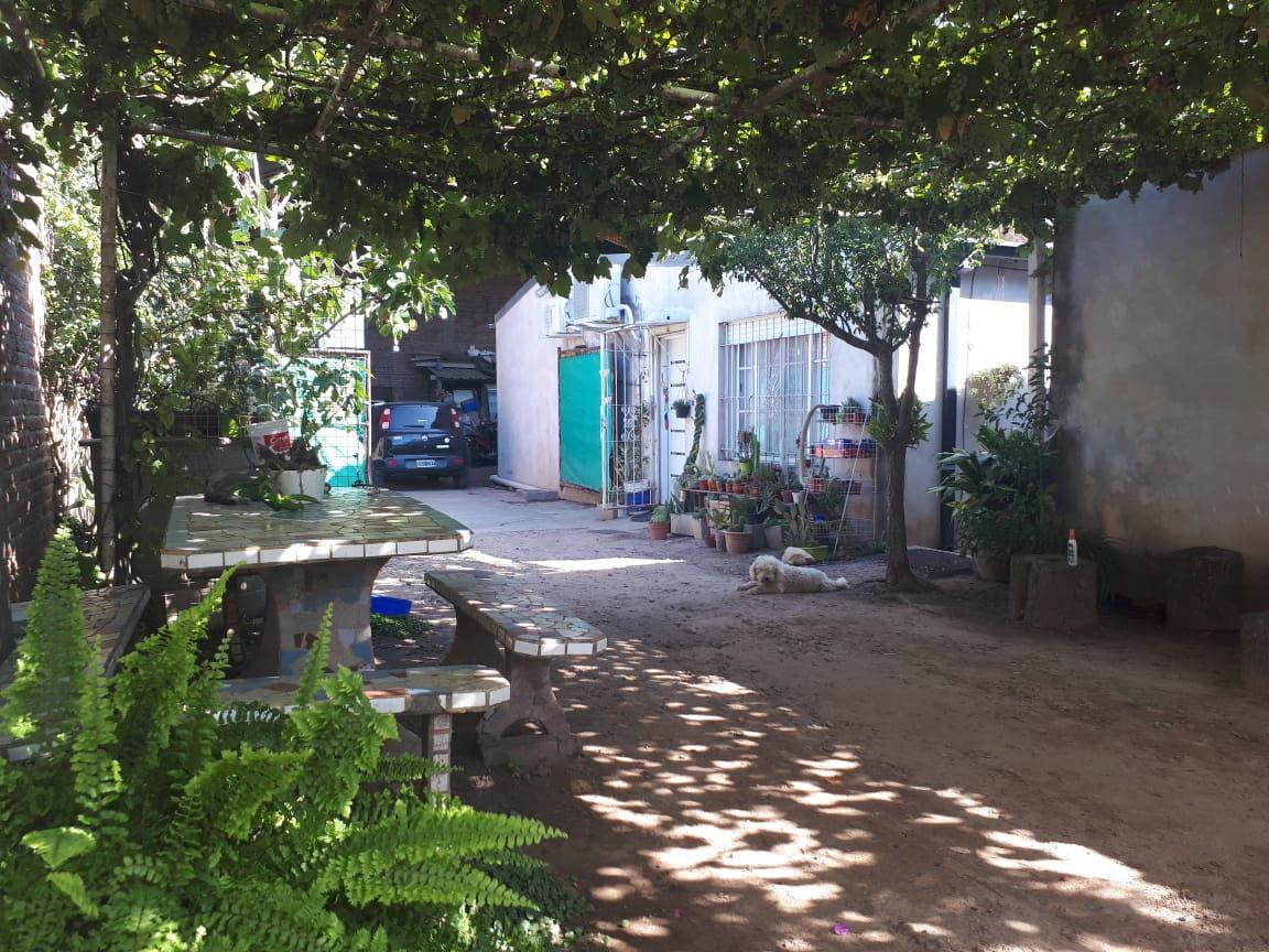 Vendo Casa en Chile al 2200, Zarate
