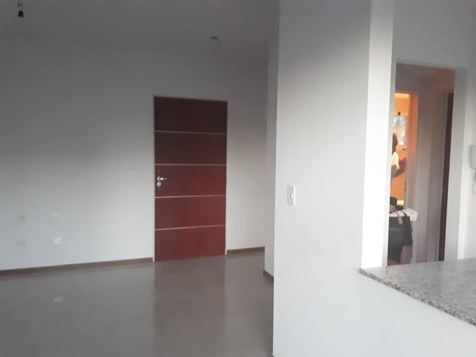 Vendo departamento en Avellaneda al 400, Zarate