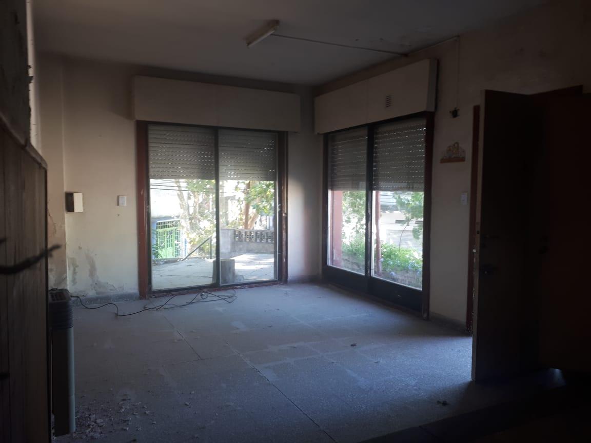 Vendo casa en calle Roca esq H.Irigoyen, Zárate