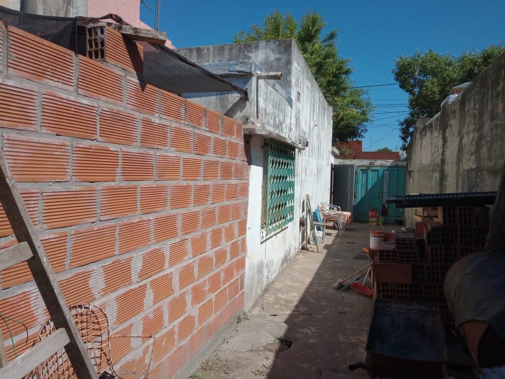 Vendo Casa en Bolivar al 1400, Zarate