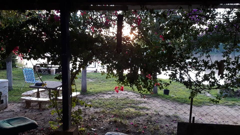 Vendo Casa en Isla sobre Canal Irigoyen, Zarate