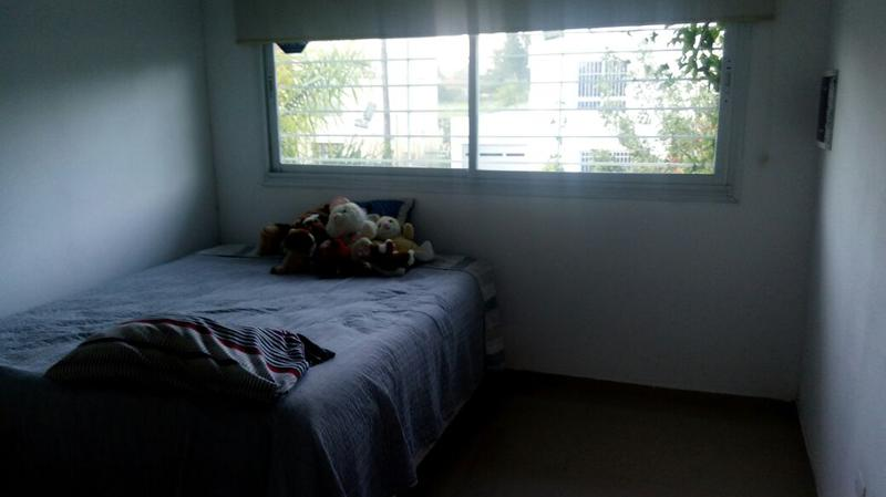 Vendo Casa en Alfonsina Stoni y R,Noya, Zárate