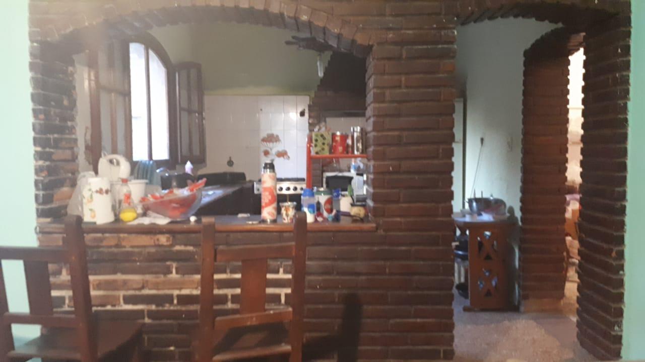 Vendo casa en Guemes 1200